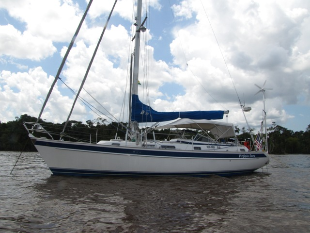 Virginia Dare, a Hallberg Rassy 39
