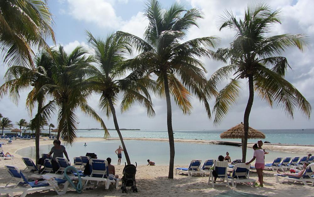 A Renaissance Hotel beach in Aruba